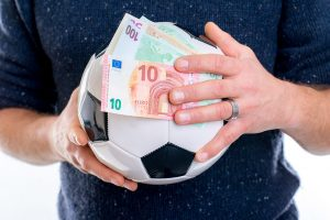5 Tips to Follow when Betting on Football Games